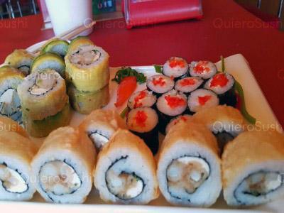 30 piezas de sushi en Maldito Sushi THAI, Las Condes