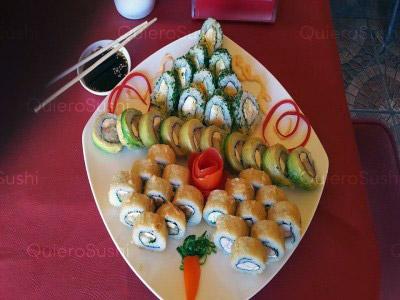 40 piezas de sushi en Maldito Sushi THAI, Las Condes
