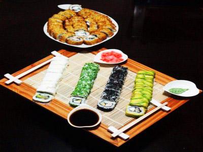 70 piezas de sushi en Itoko Sushi, Puente Alto