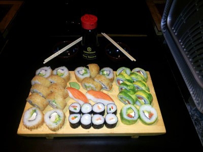 35 piezas de sushi en Sempai Sushi, La Reina