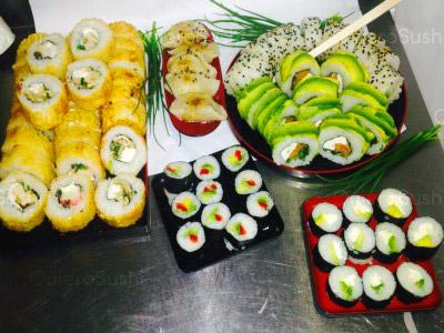 75 piezas de sushi en La Tia Peta Sushi, Santiago Centro