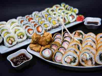 85 piezas de sushi en Yokomo Sushi, Providencia