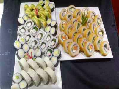 80 piezas de sushi en Mary's Sushi Rolls, La Florida