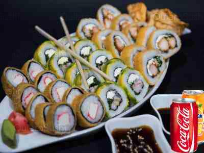 30 piezas de sushi en Yokomo Sushi, Providencia