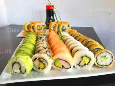 70 piezas de sushi en Nomikai Sushi, La Florida