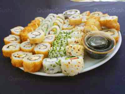 50 piezas de sushi en Zushi Nikkei sushi, La Reina