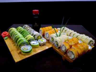 70 piezas de sushi en Nomikai Sushi Abierto 01:30hrs, La Florida