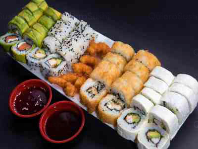 45 piezas de sushi en Yokomo Sushi, Providencia