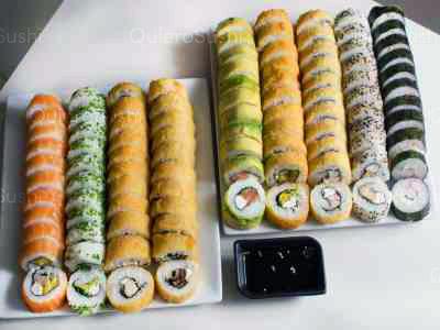 99 piezas de sushi en Sushi Rolls Liam, Providencia