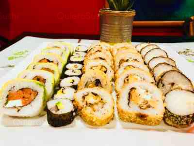 50 piezas de sushi en Maldito Sushi Thai, Las Condes