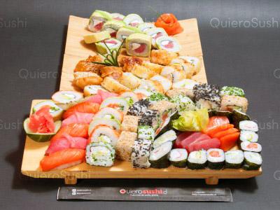 74 piezas de sushi en Sempai Sushi, La Reina