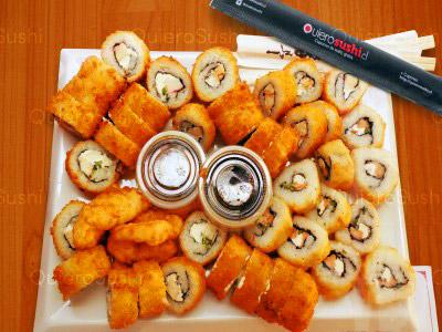 45 piezas de sushi en Onomichi Nikkei, Santiago Centro