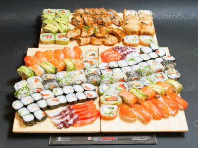 140 piezas de sushi en Sempai Sushi, Peñalolen