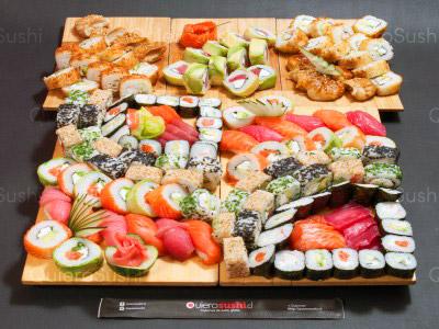 152 piezas de sushi en Sempai Sushi, La Reina
